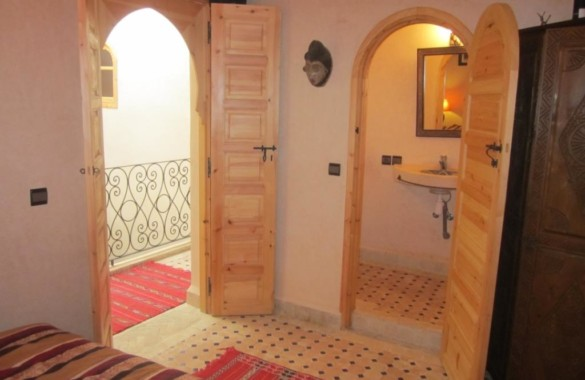 Riad with car access