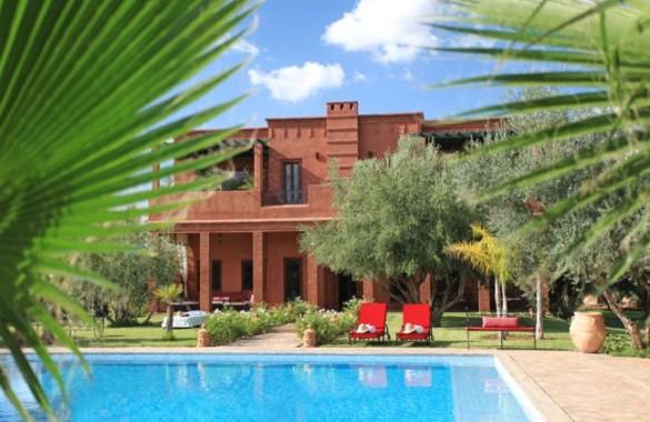 Sublime villa avec terrain de tennis