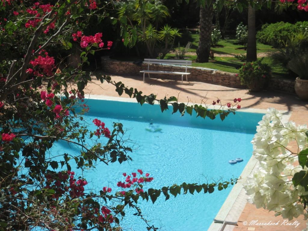 Charmante villa de 5 chambres dans un superbe jardin luxuriant