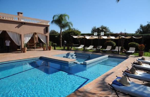 Charmante Maison d'Hôtes de 13 chambres proche de Marrakech: belle opportunité!