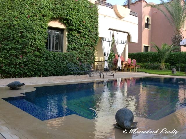 Petit prix pour cette belle villa avec piscine marrakech realty for Prix petite piscine