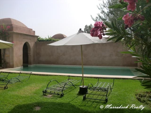 Villa privée avec grand jardin