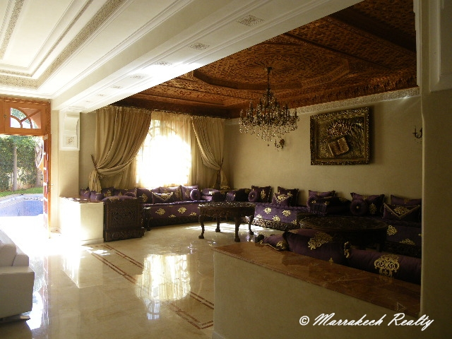 villa avec piscine dans résidence dans Marrakech