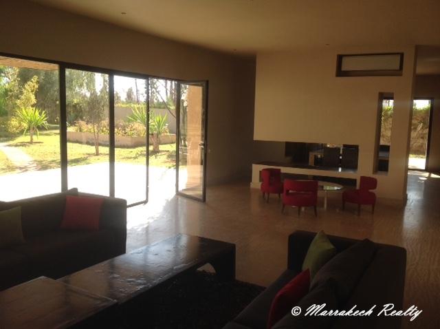 Villa contemporaine en palmeraie