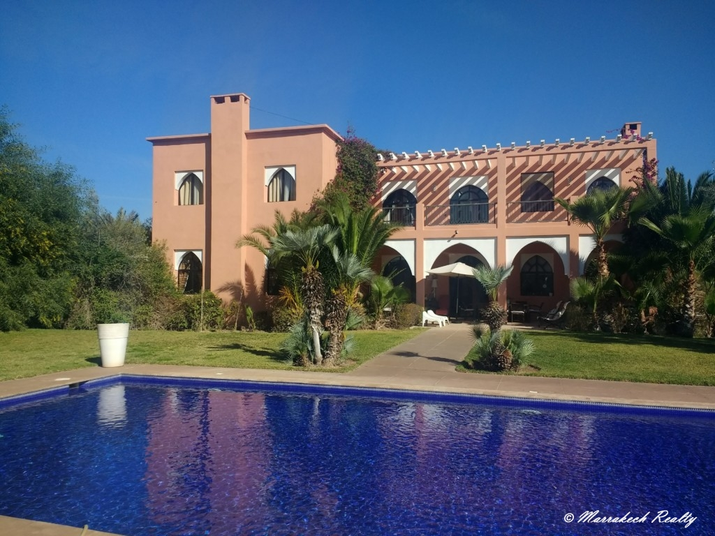 Luxury villa in Marrakesh with 6 bedrooms