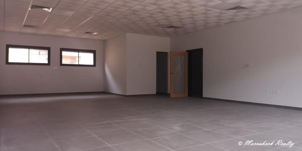 Bureau à louer dans un immeuble professionnel