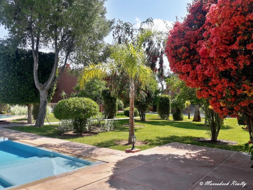 Jolie villa contemporaine à louer dans une résidence