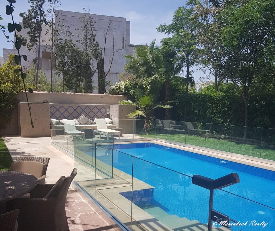 À louer villa contemporaine à marrakech avec piscine privative