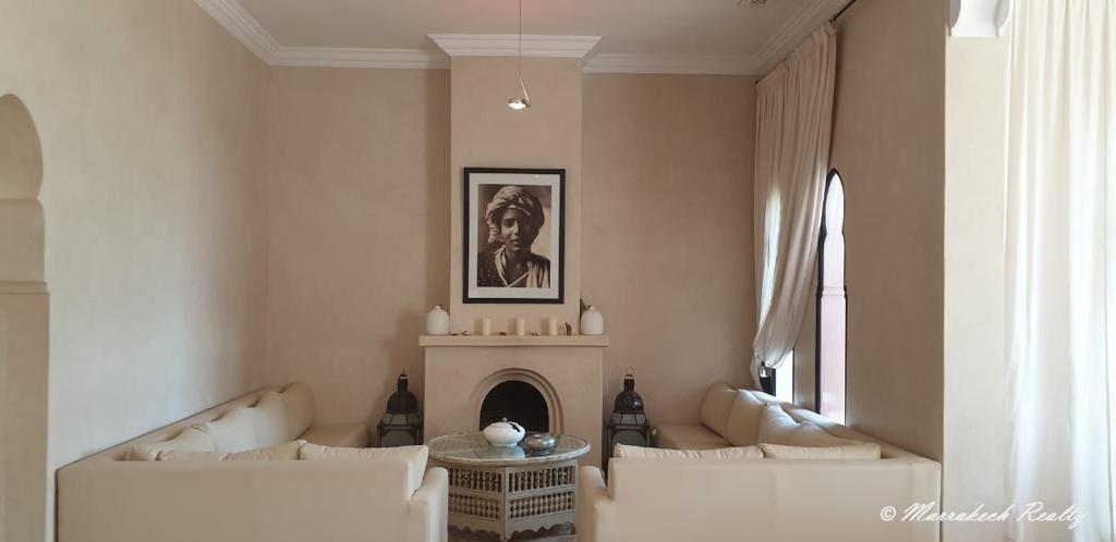Vaste villa de 7 suites à vendre à Marrakech