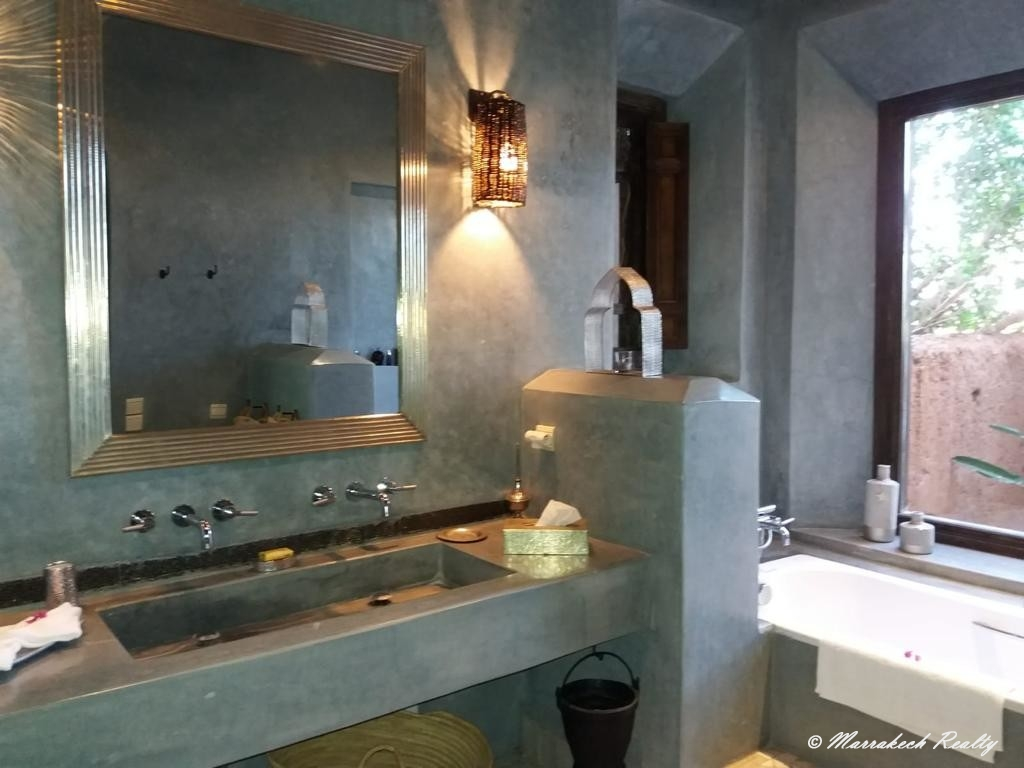 Superbe villa de 6 suites & 1 chambre à vendre à proximité de Marrakech