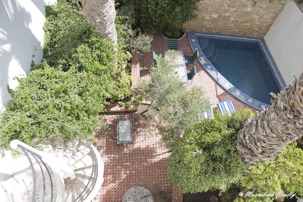 Riad atypique vue mer, avec bassin et jardin aux pieds des remparts