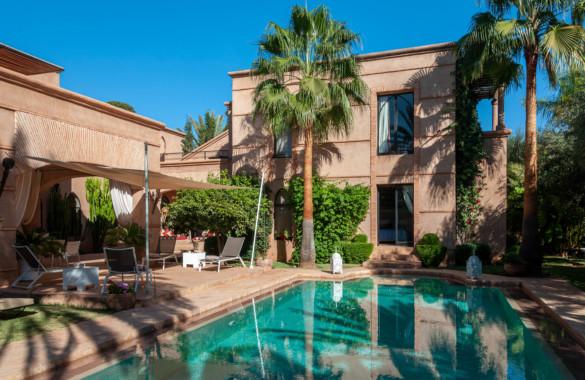 Belle villa de 5 chambres à vendre dans un domaine golfique