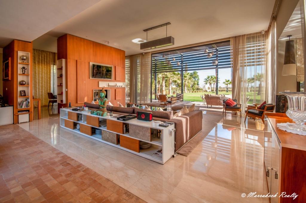 Sublime villa contemporaine dans un domaine golfique