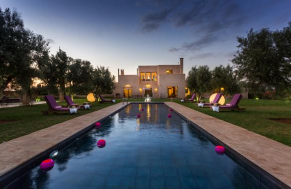Belle villa à vendre sur un terrain d'un hectare face à l'atlas