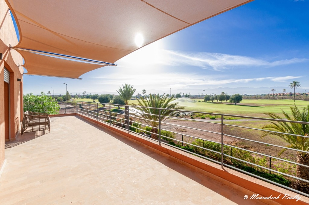 Beautiful villa for sale with a panoramic view of the Atlas