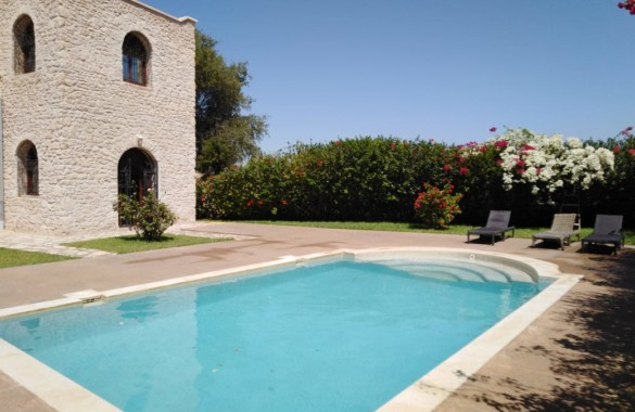 charming country house with pool and 3 bedrooms