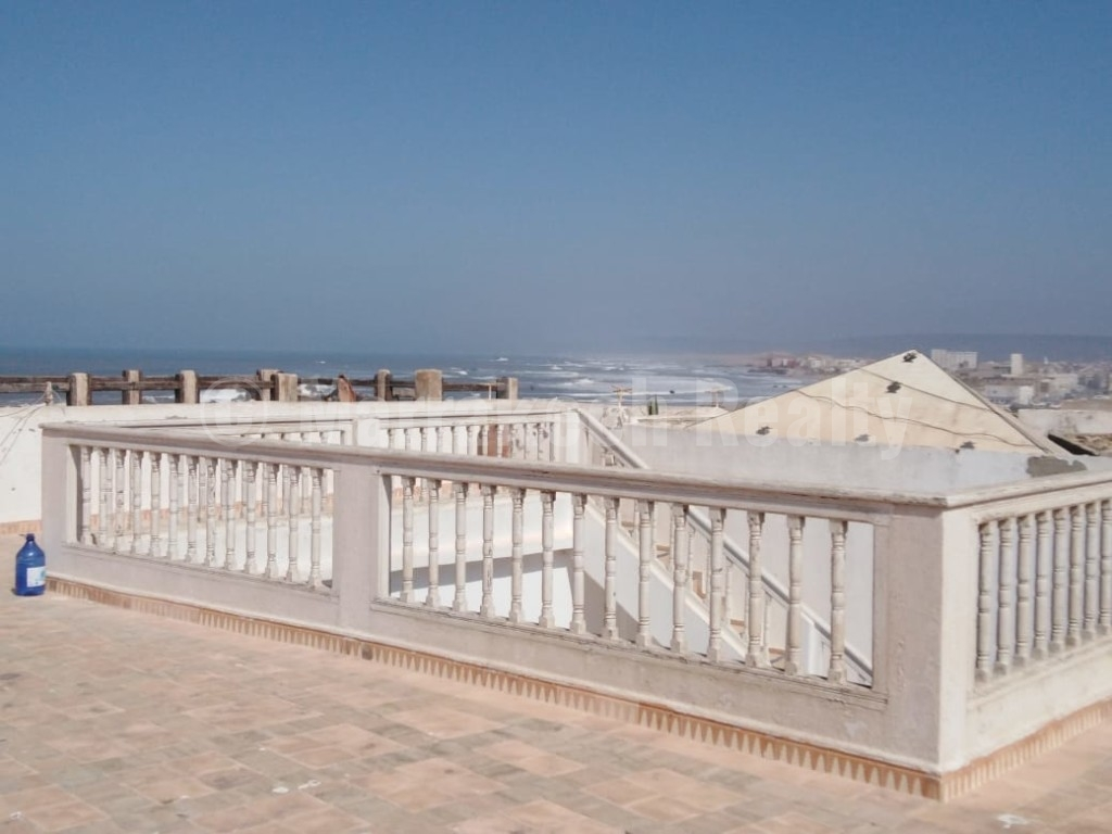 Grand Riad de caractère, extraordinaire vue mer de sa grande terrasse