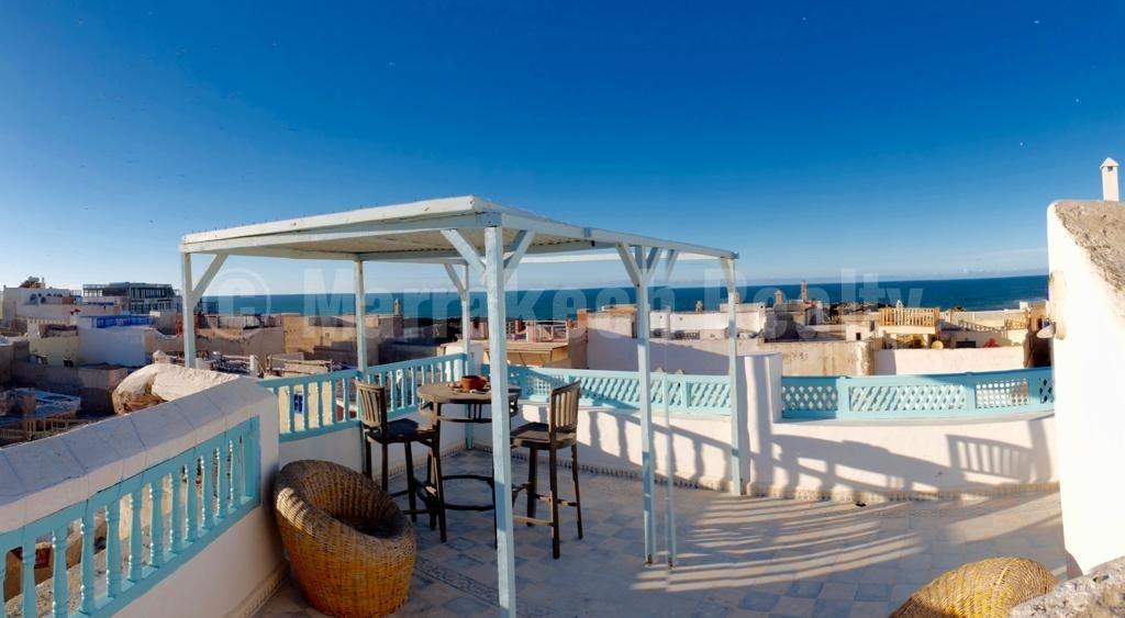 Riad atypique de 400 m², très belle vue mer, au cœur de la médina