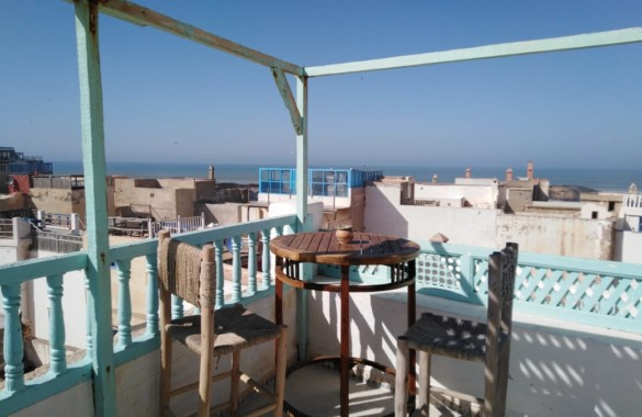 Atypical Riad to renovate of 400m² with beautiful sea view, in the heart of the medina
