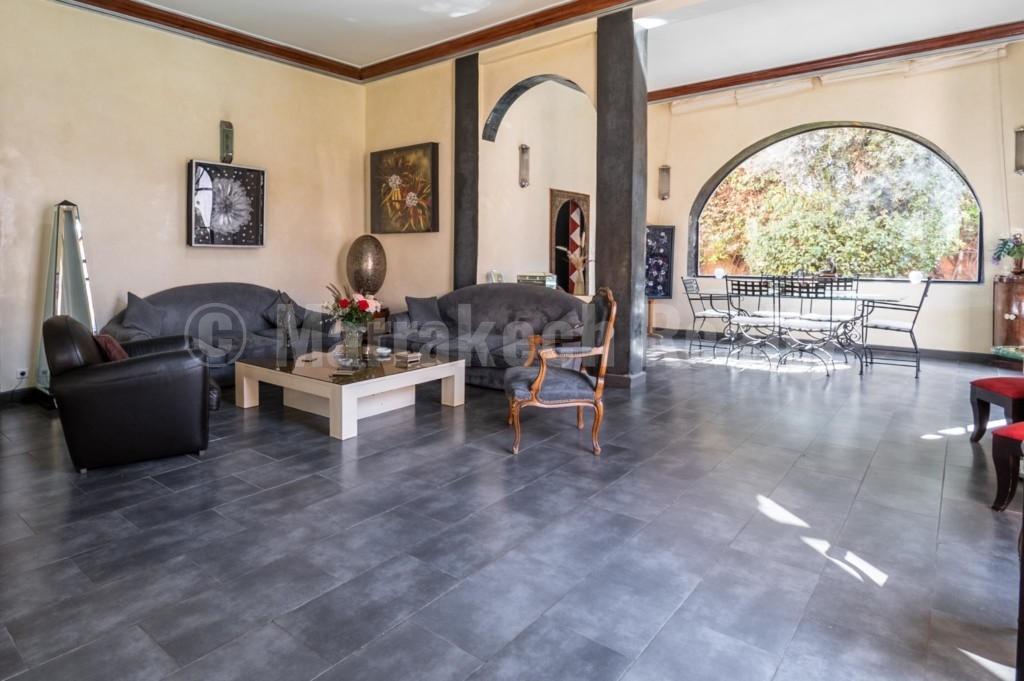 Belle villa de 380 m2 à vendre dans un domaine golfique