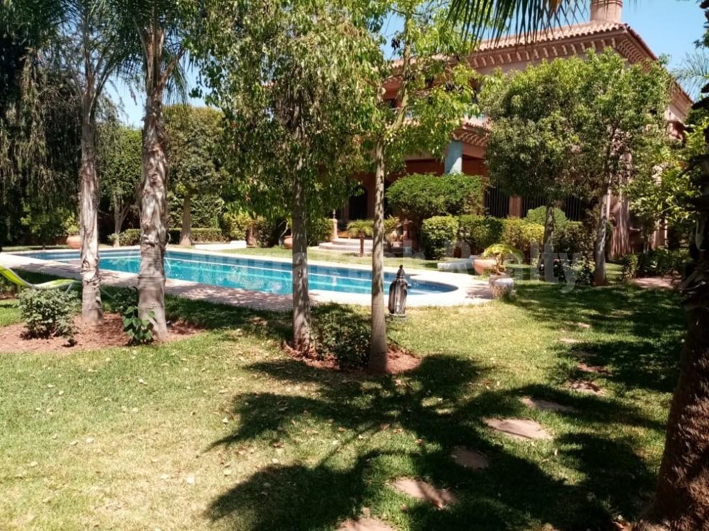 Beautiful 4 bedroom villa for sale in Marrakech