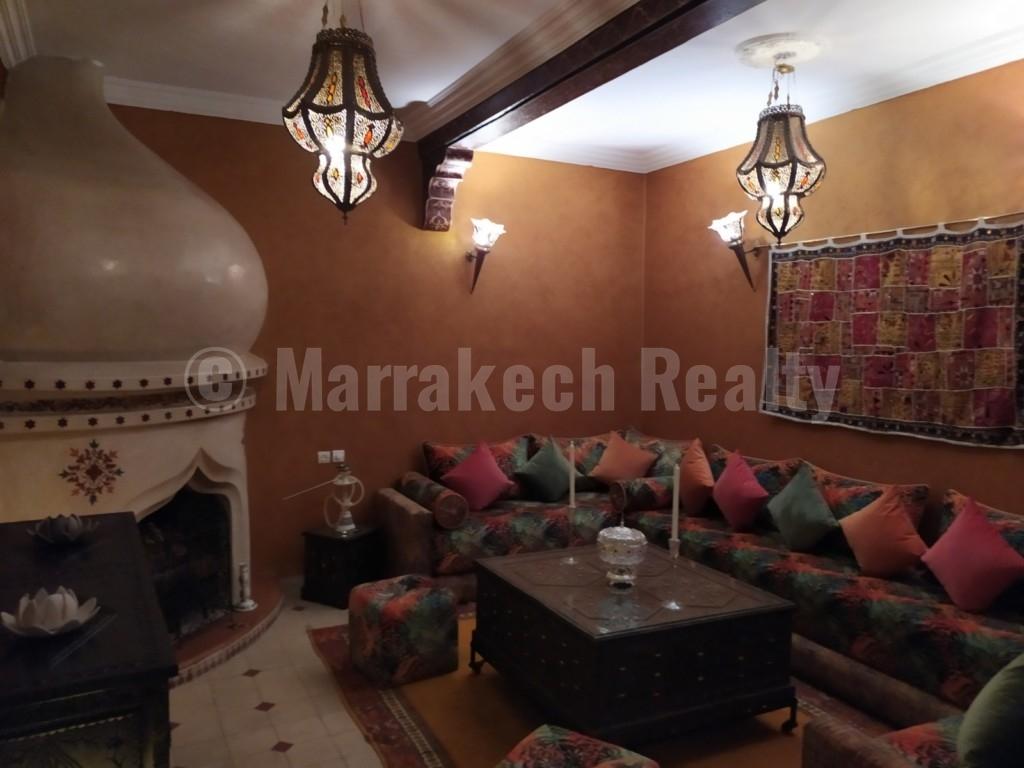 Vaste et unique Riad de 3 grandes chambres à louer en longue durée