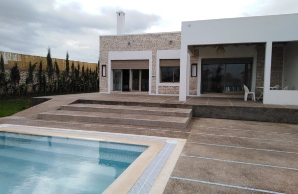 Standout contemporary 4 bedroom house with guest pavillon for sale 16 km from Essaouira