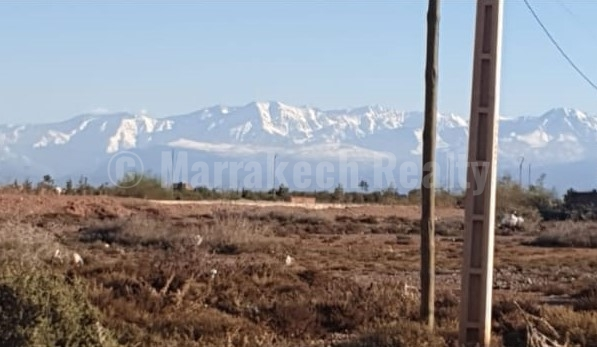 For sale, Title deed land located only 10 minutes from downtown