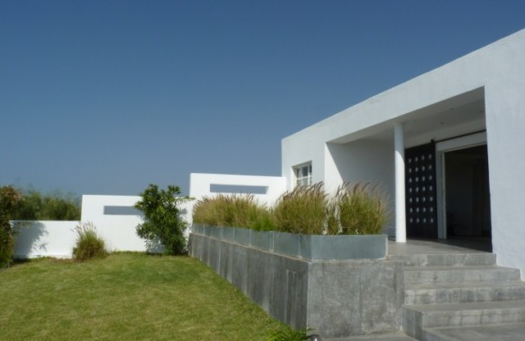 Modernist 3 bedroom villa overlooking the Oualidia lagoon