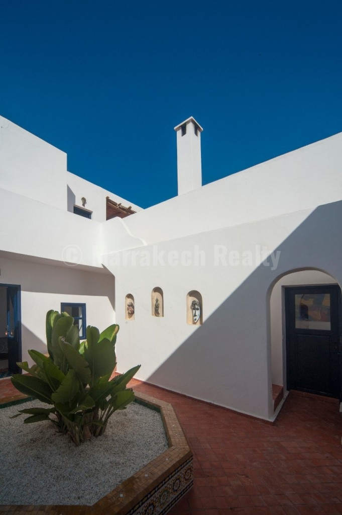 Pretty modern country house for sale only 8 km from Essaouira