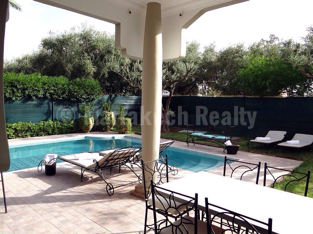 Long term rental: 4 bedroom villa with private pool in a gated domain