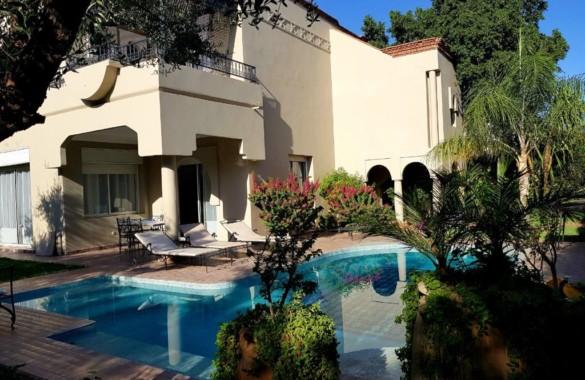 A louer en longue durée villa dans petite résidence proche marrakech avec piscine privative