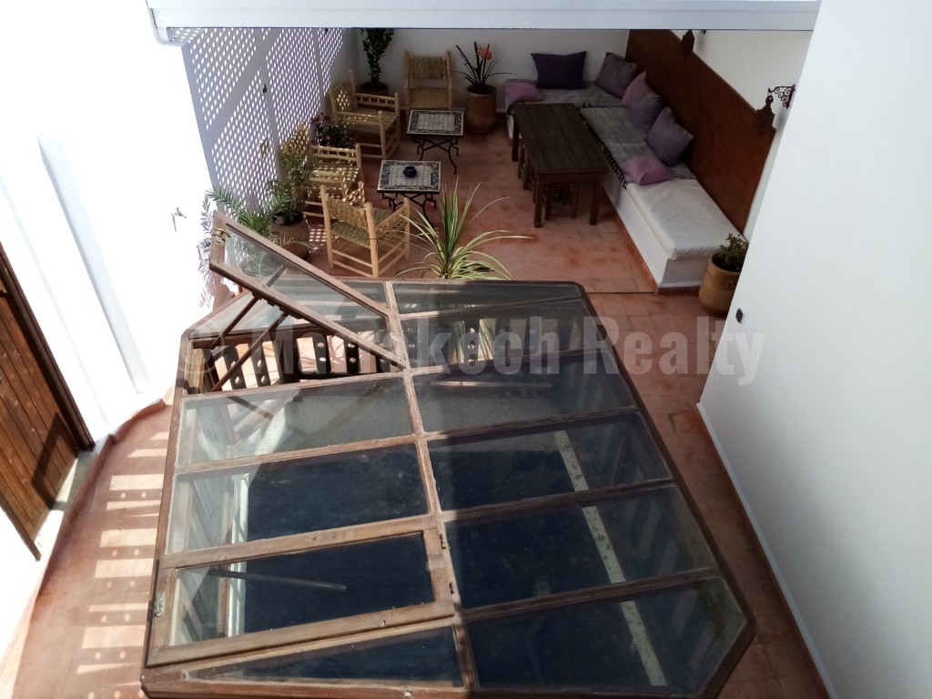 Riad familial de charme, 4 chambres, très bien situé.