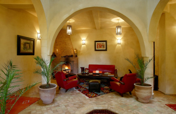 Pretty 4 bedroom Riad with seaviews for sale in the Medina