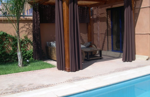 Bright villa at Marrakesh for sale with pool and garden in agated secure complex