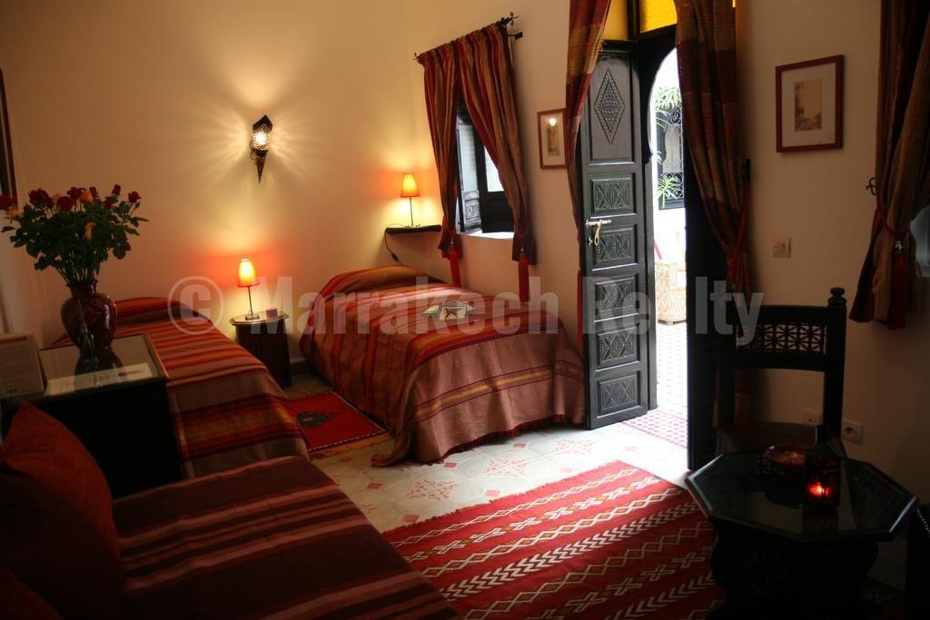 Riad Maison d'Hôtes traditionnel de 6 chambres à vendre en Medina de Marrakech