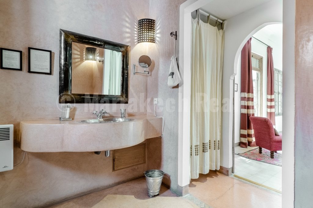 Ravissant Riad Maison d'Hôtes de 6 chambres à la vente avec emplacement idéal