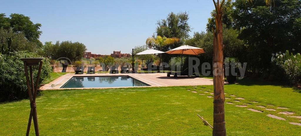 Pretty villa enviably located on a prestigious golf course 25 minutes from Marrakech