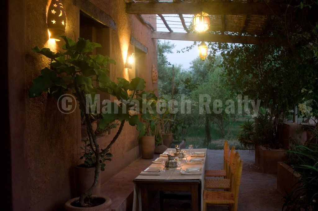 Exceptionnelle villa-kasbah écologique de 4 chambres dans une oliveraie