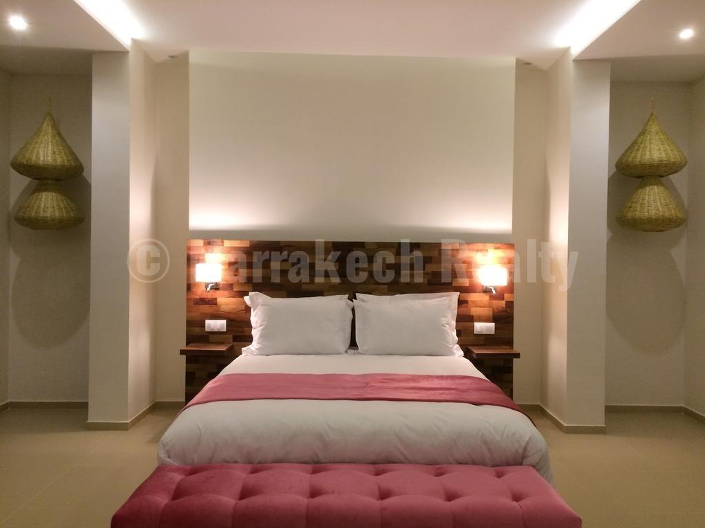 Top end luxury 7 bedroom villa hits the Marrakech market for 1180000 Euros