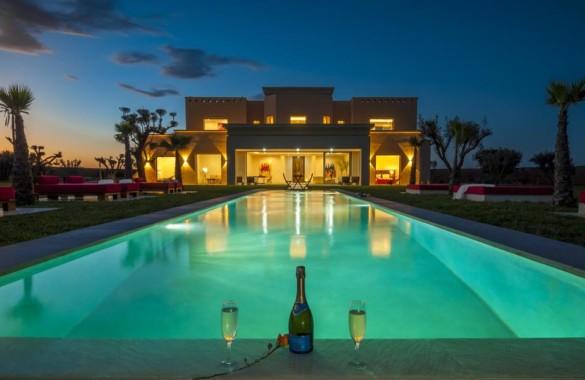 Villa de luxe de 7 suites avec vue sur l'Atlas proposée au prix de 1180000 Euros