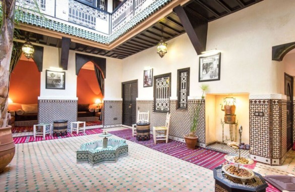 Traditional 7 bedroom Guest-House Riad with prime location just up for sale
