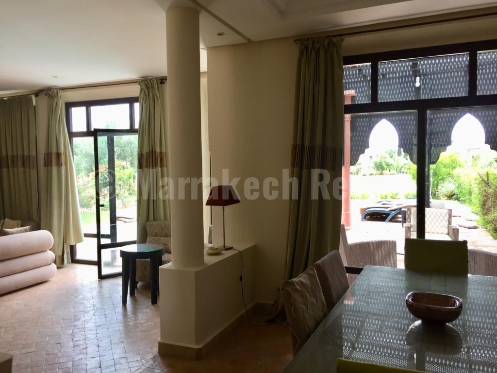 Jolie villa idéalement située sur un golf prestigieux à 20 minutes du centre de Marrakech