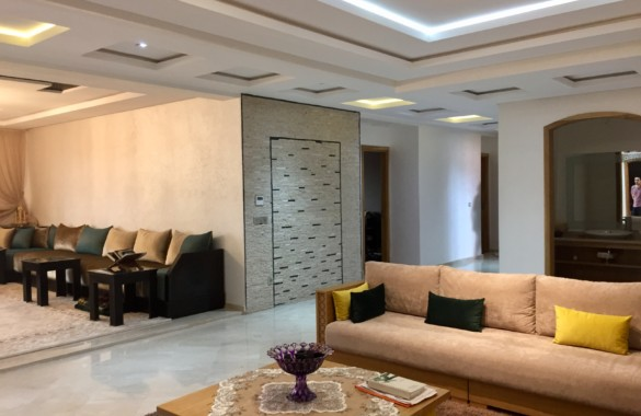Large upscale 4 bedroom apartment for sale in down town Marrakech