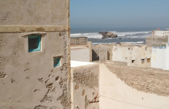 Quirky small Riad with seaviews to restore