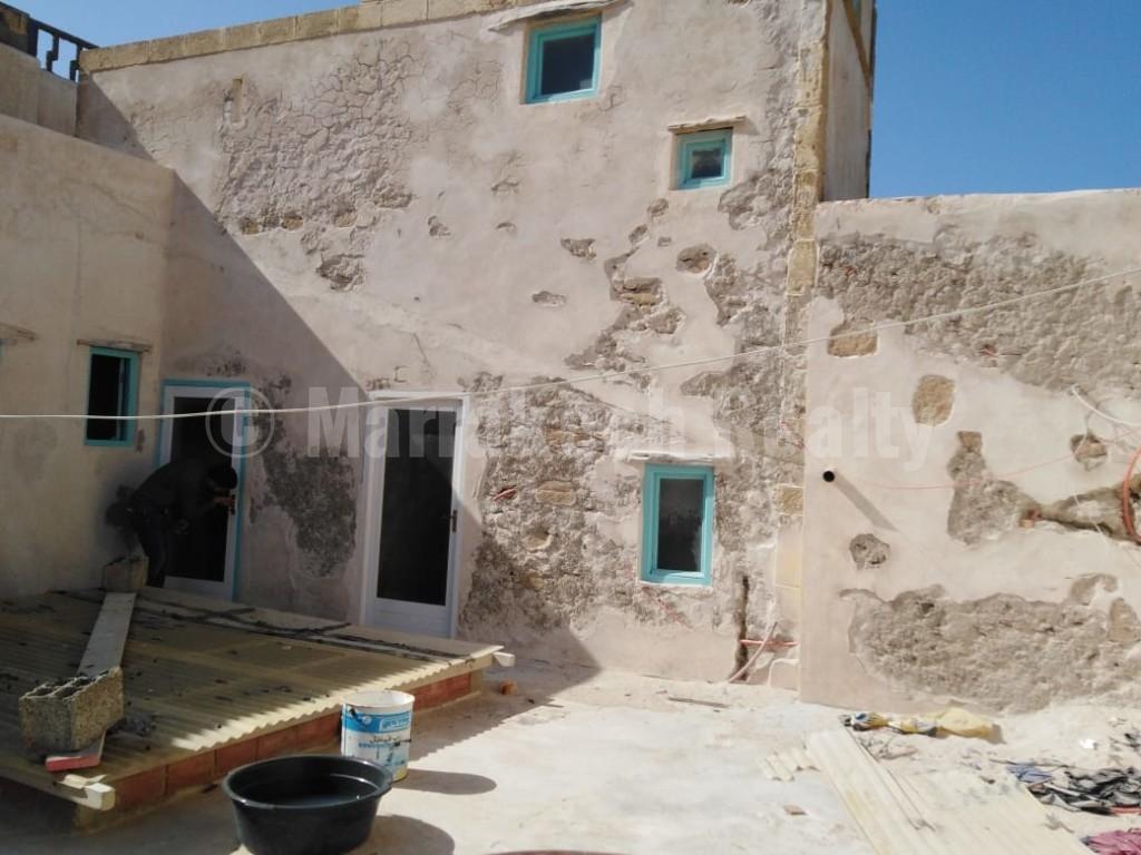 Riad historique à rénover avec superbe vue mer