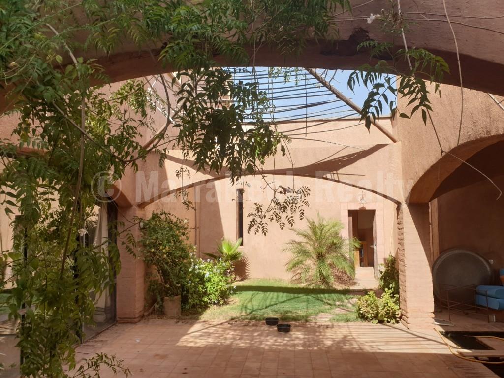 Maison de style berbère dans une oliveraie proche de Marrakech