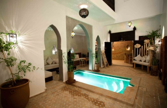 Sweet 5 bedroom Guest-House Riad in the Medina just listed