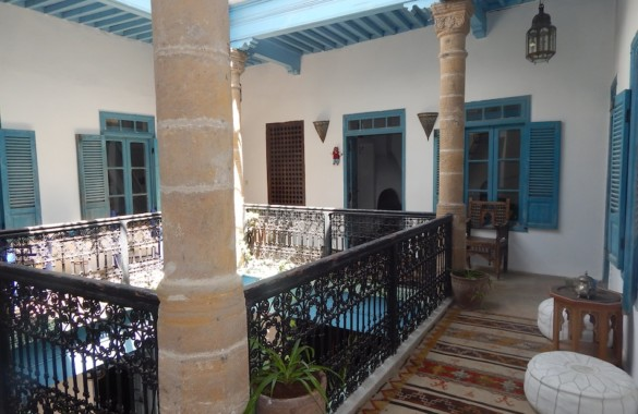 Elégant & vaste Riad rénové à vendre en Medina