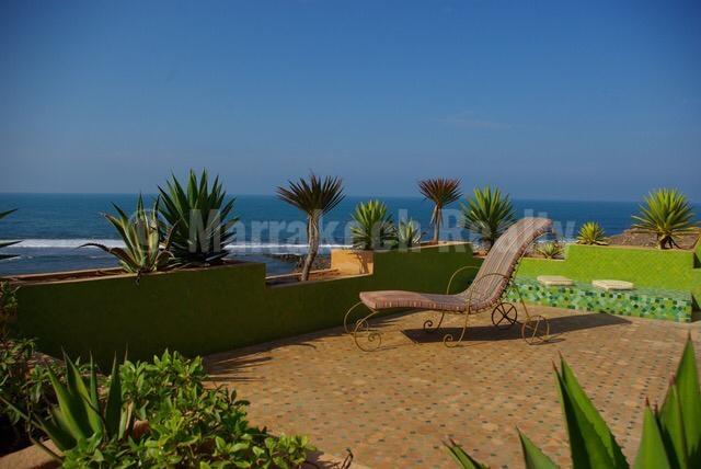 Exceptionnelle villa pieds dans l'eau de style mauresque à Mohammedia